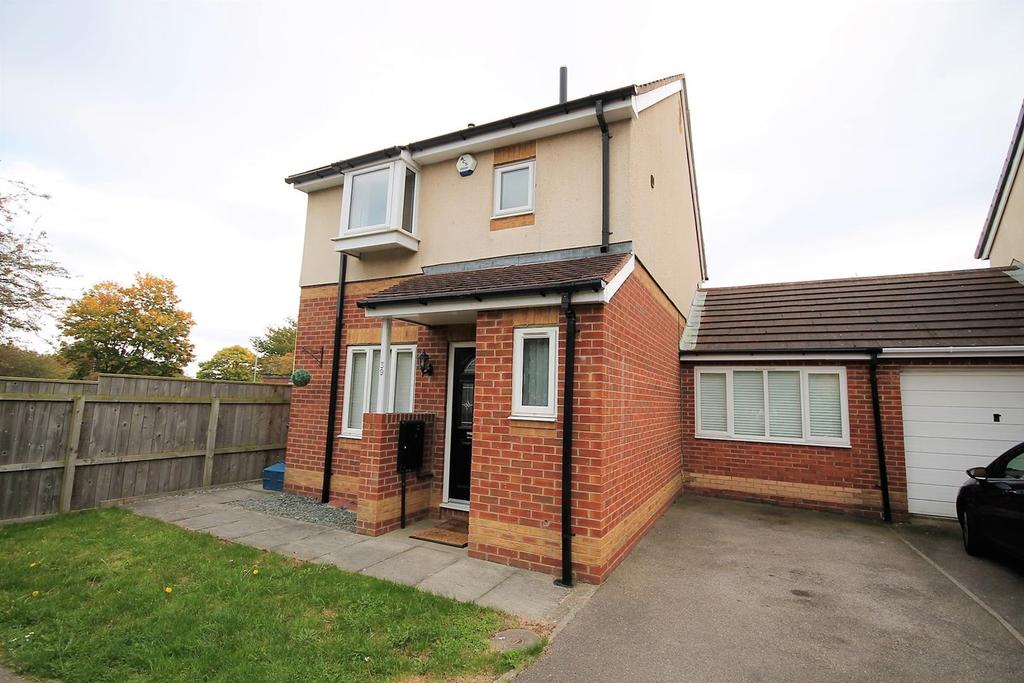 3 Bedrooms Detached House for sale in Harewood Crescent, Stockton-On-Tees
