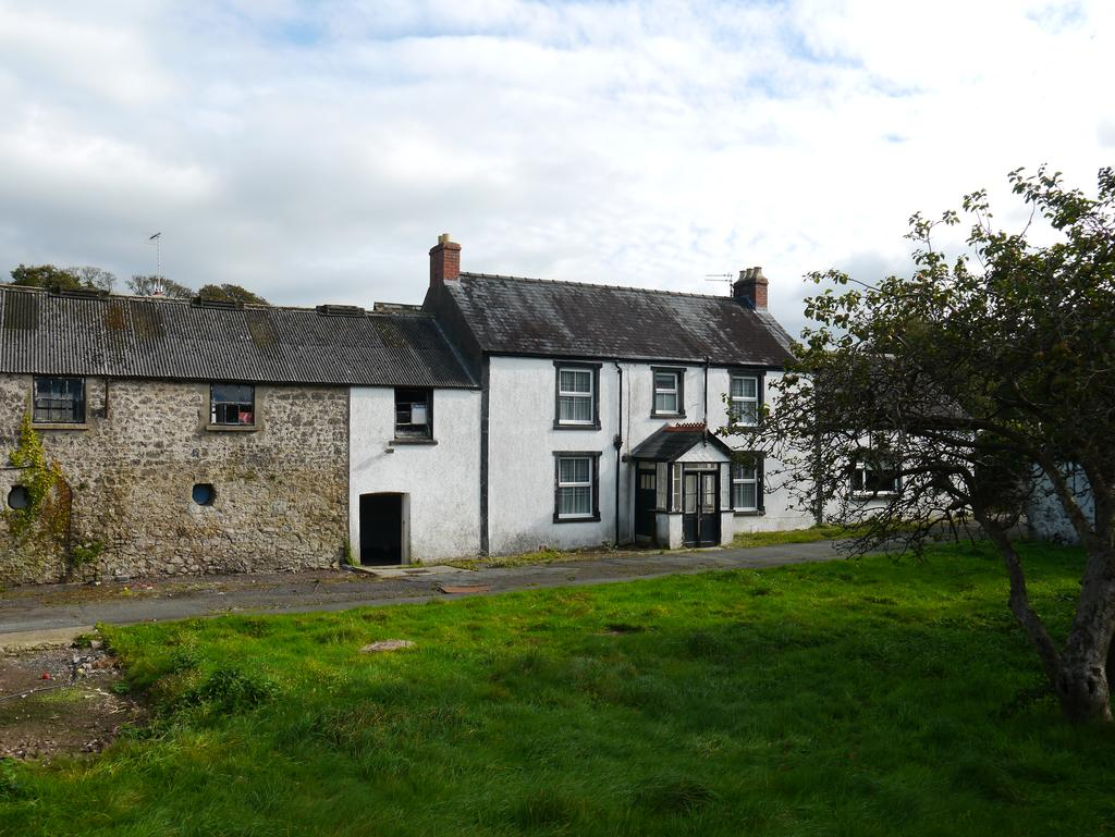 5 Bedrooms Farm House Character Property for sale in Pembroke Dock SA72