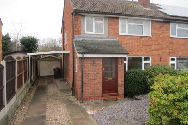 3 Bedrooms Semi Detached House for rent in 15 Springfield Avenue, Newport, Shropshire, TF10 7HP