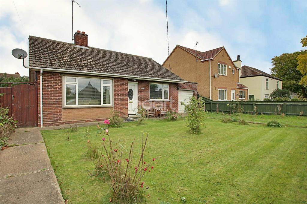 2 Bedrooms Bungalow for sale in High Road, Wisbech St Mary
