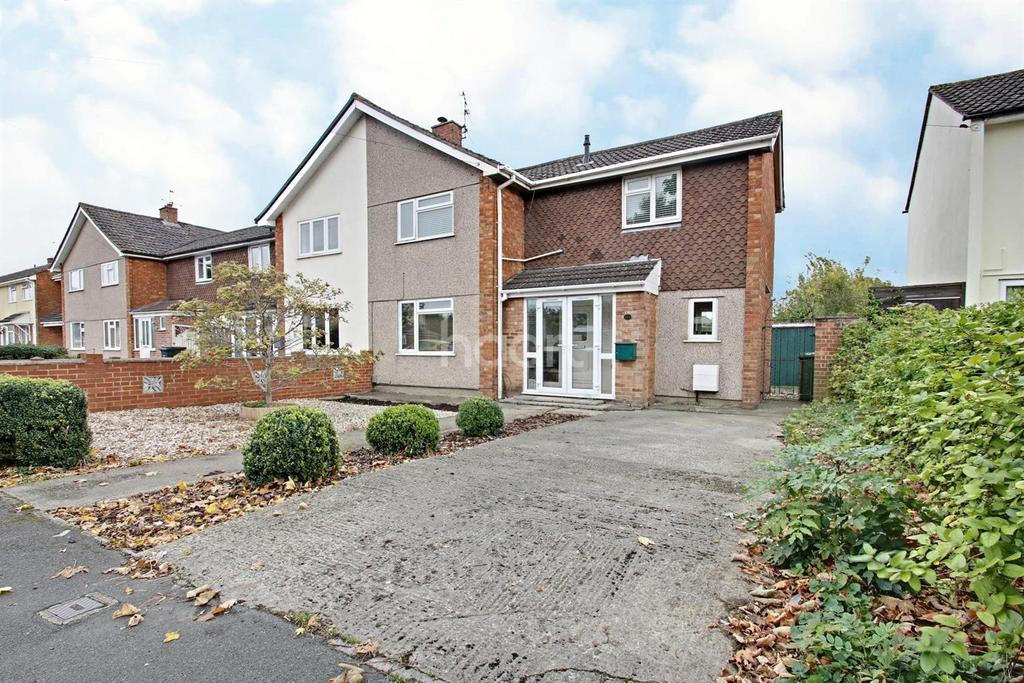 3 Bedrooms End Of Terrace House for sale in Leighton Avenue