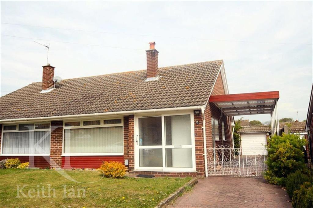 4 Bedrooms Semi Detached Bungalow for sale in Barrow Lane, West Cheshunt