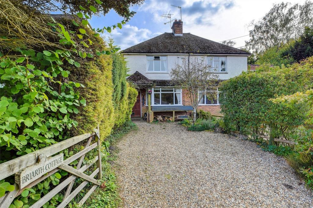 3 Bedrooms Semi Detached House for sale in Moor Road, HASLEMERE, West Sussex