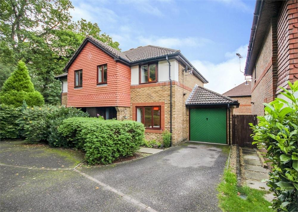 3 Bedrooms Semi Detached House for sale in Sage Walk, Warfield, Berkshire