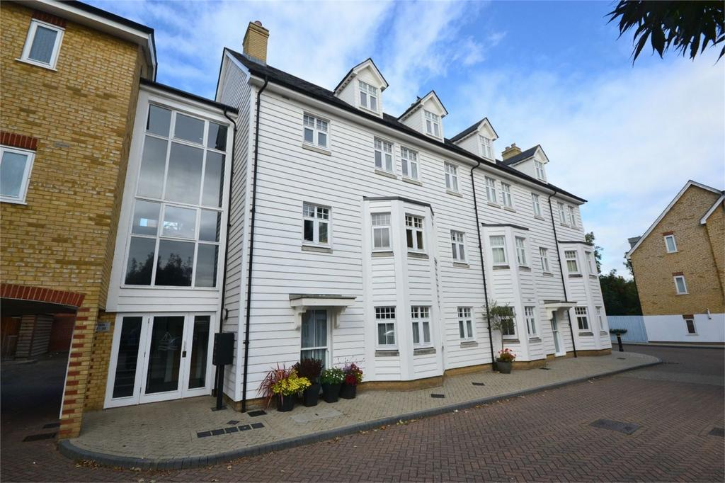 3 Bedrooms Flat for sale in Quest Place, Maldon, Essex
