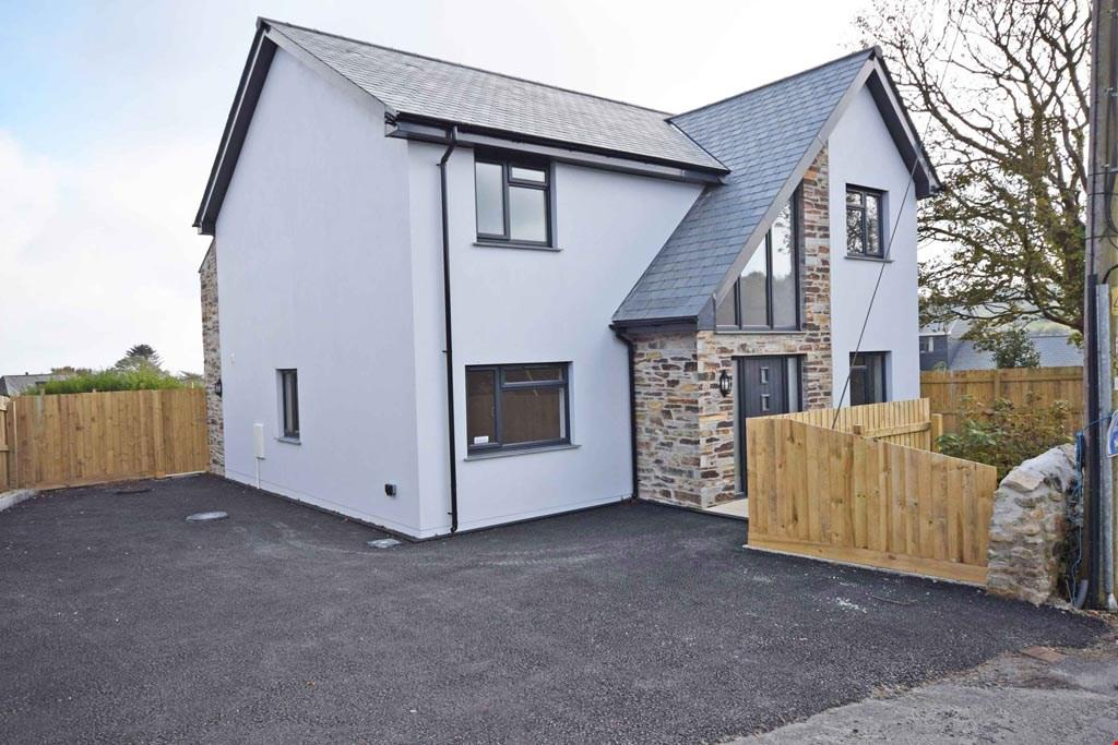 4 Bedrooms Detached House for sale in Trethurgy, Nr. St Austell, Cornwall, PL26