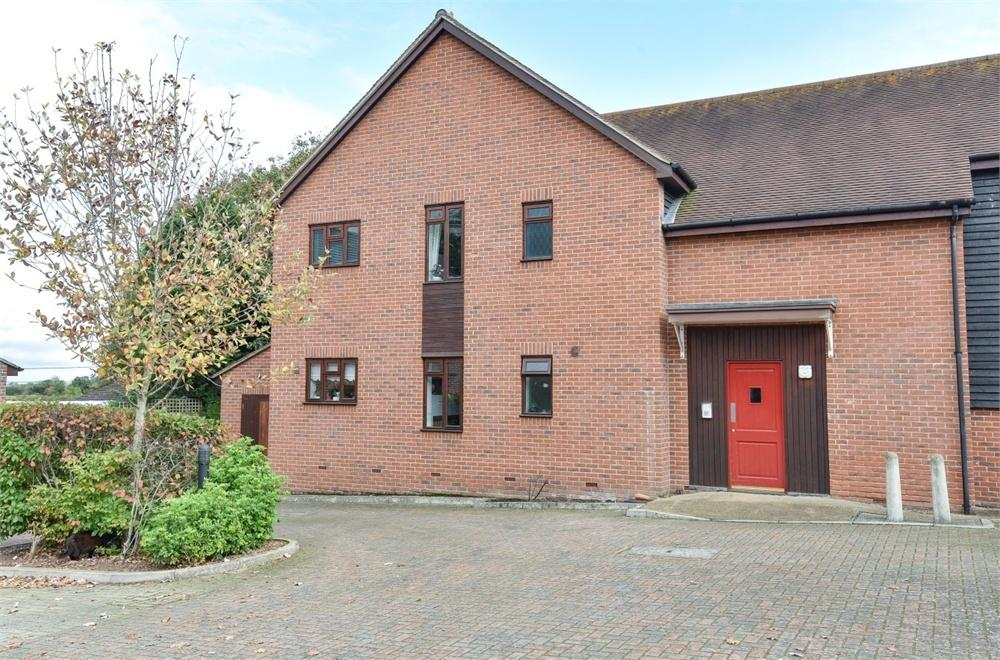 2 Bedrooms Flat for sale in La Frenaye Place, South Wonston, Winchester, Hampshire