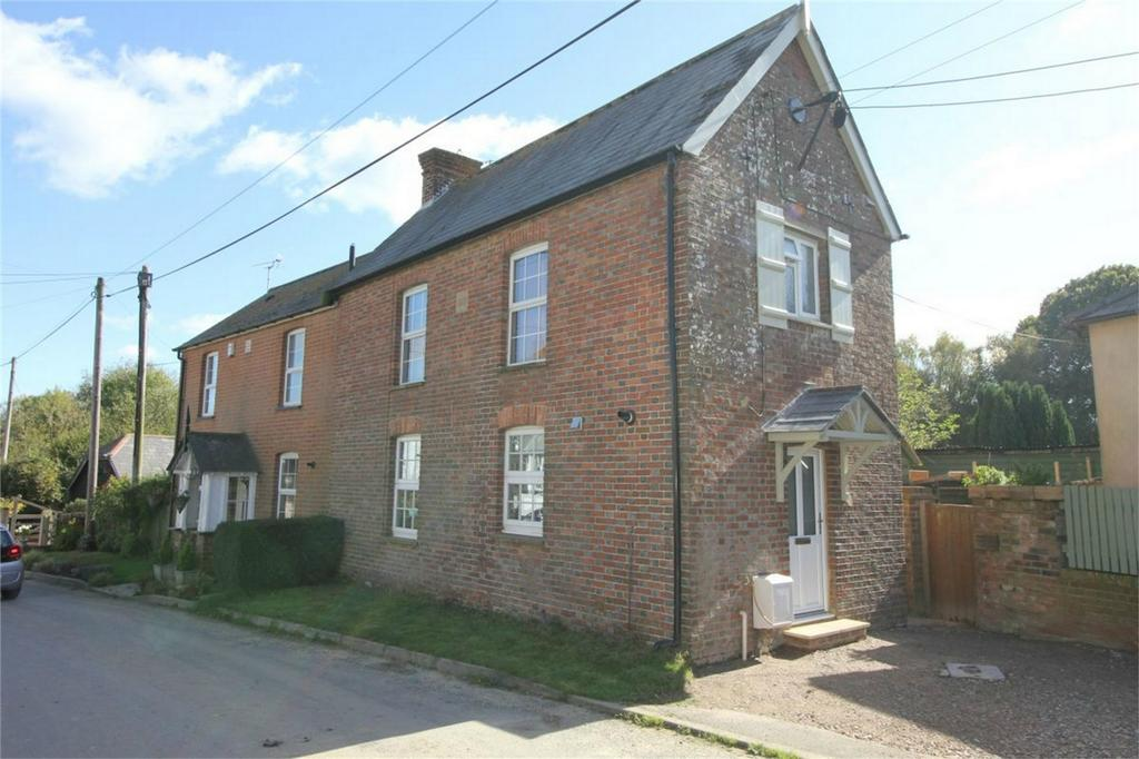 3 Bedrooms Semi Detached House for sale in Butchers Lane, THREE OAKS, East Sussex
