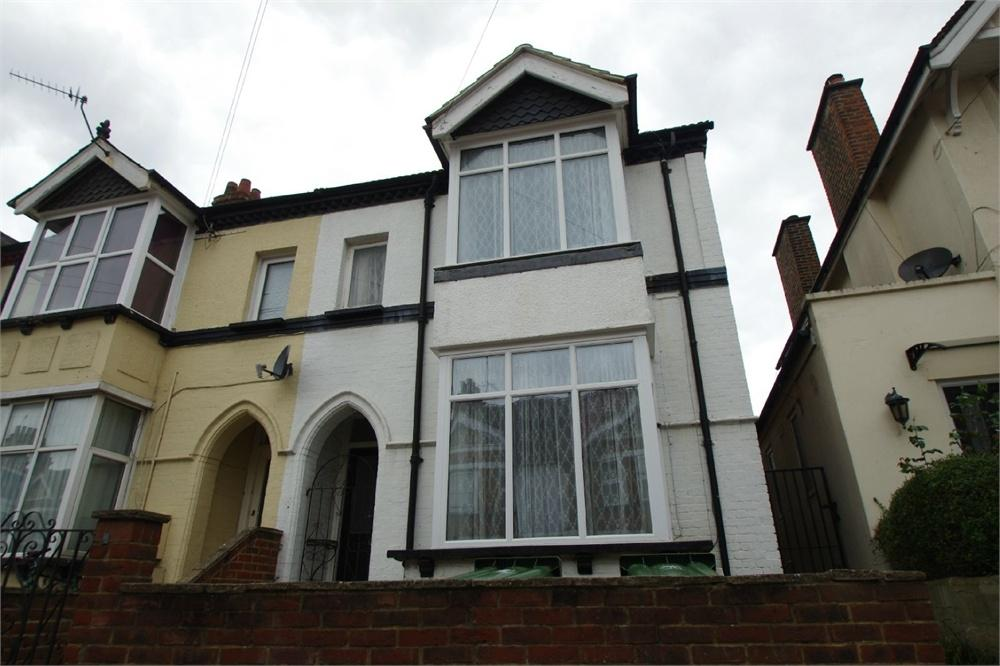 4 Bedrooms Semi Detached House for sale in Westland Road, Watford, Hertfordshire