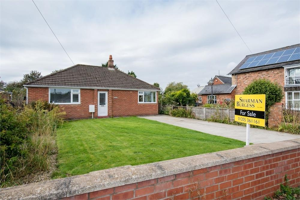 3 Bedrooms Detached Bungalow for sale in Tattershall Road, Boston, Lincolnshire