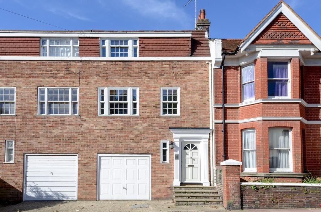 3 Bedrooms Terraced House for sale in Buxton Road Brighton East Sussex BN1