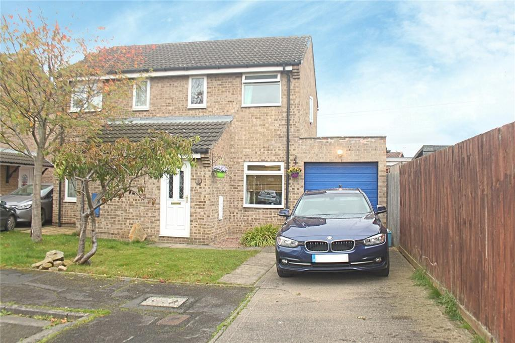 2 Bedrooms Semi Detached House for sale in Knaith Close, Yarm