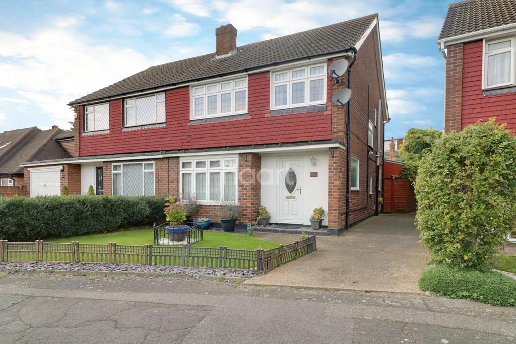 3 Bedrooms Semi Detached House for sale in Craig Drive, Hillingdon
