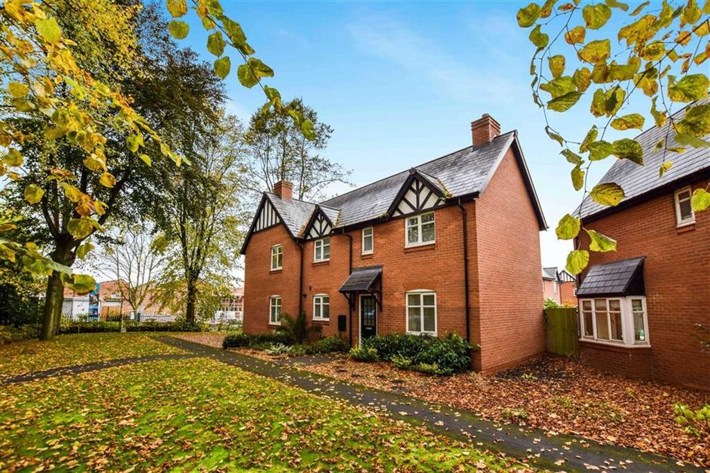 3 Bedrooms Semi Detached House for sale in Norman Road, Altrincham, Cheshire, WA14