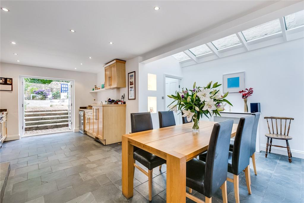5 Bedrooms Terraced House for sale in Garfield Road, Battersea, London