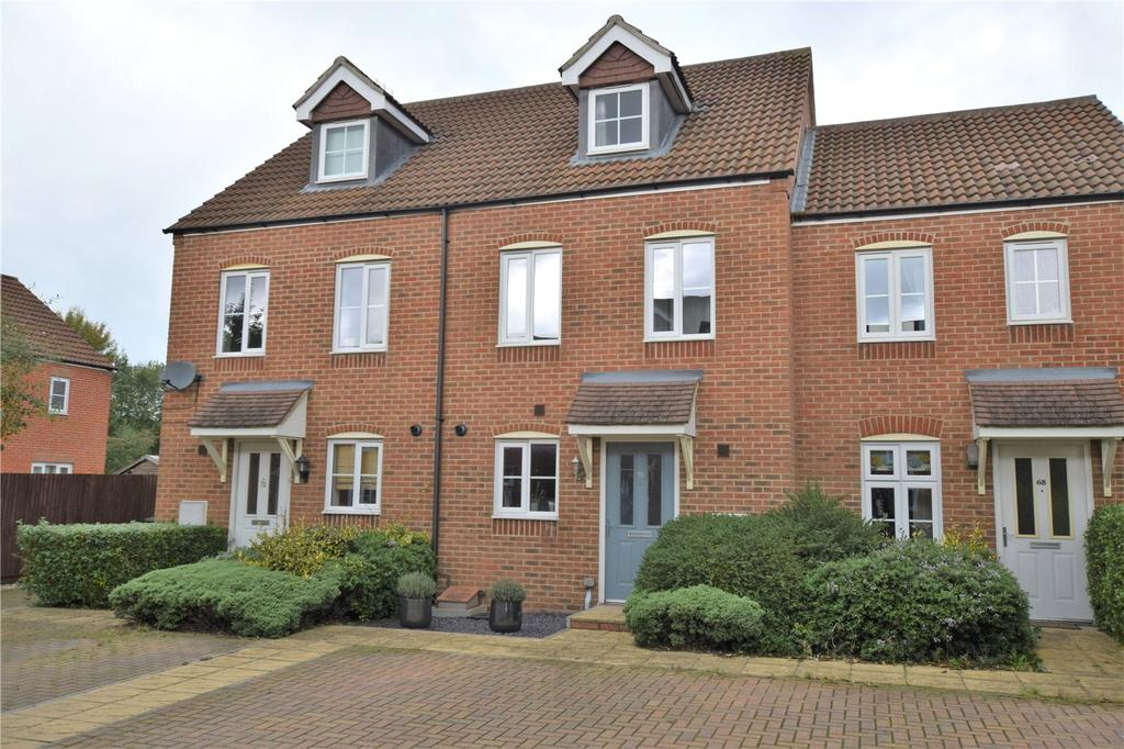 3 Bedrooms House for sale in Beckett Gardens, Bramley, Hampshire, RG26