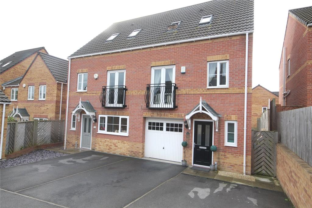 3 Bedrooms Semi Detached House for sale in Kingwood Close, Monk Bretton, Barnsley, S71