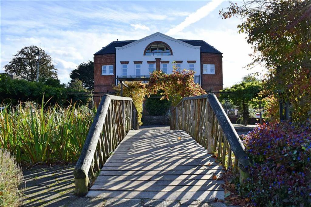 2 Bedrooms Flat for sale in Sevenoaks House, Sevenoaks, TN13