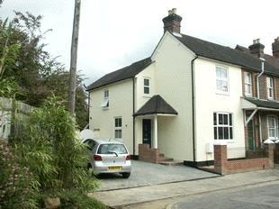 3 Bedrooms Semi Detached House for sale in Foxenden Road, Guildford, Surrey, GU1