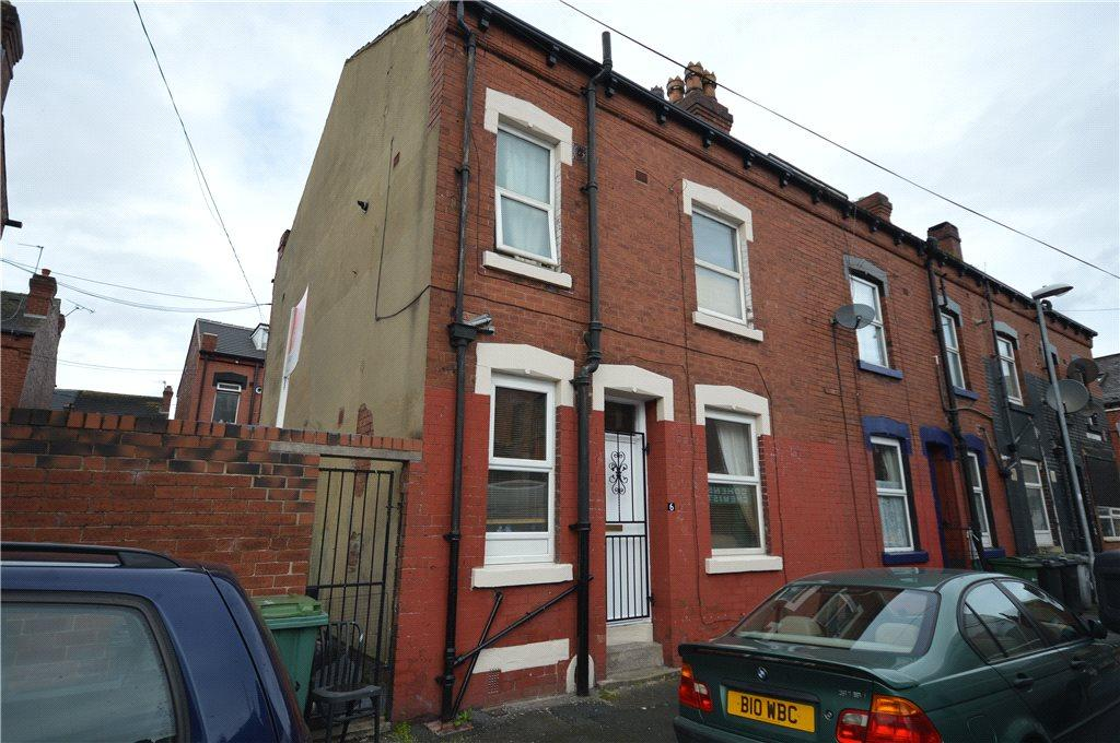 2 Bedrooms Terraced House for sale in Crosby Place, Leeds, West Yorkshire