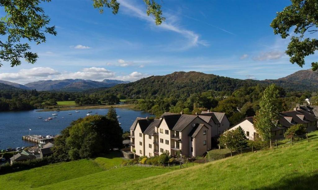 3 Bedrooms Apartment Flat for sale in 3 Romney Grange, Waterhead, Ambleside, LA22 0HD