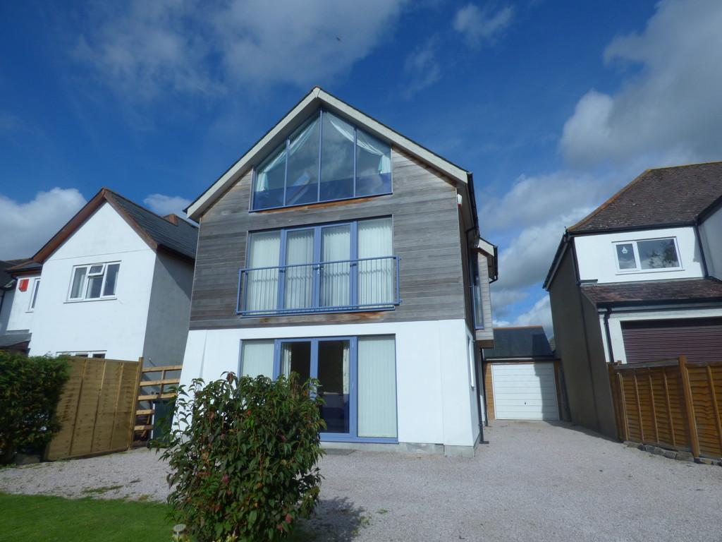 5 Bedrooms Detached House for sale in Broadway Road, Kingsteignton, TQ12 3EH