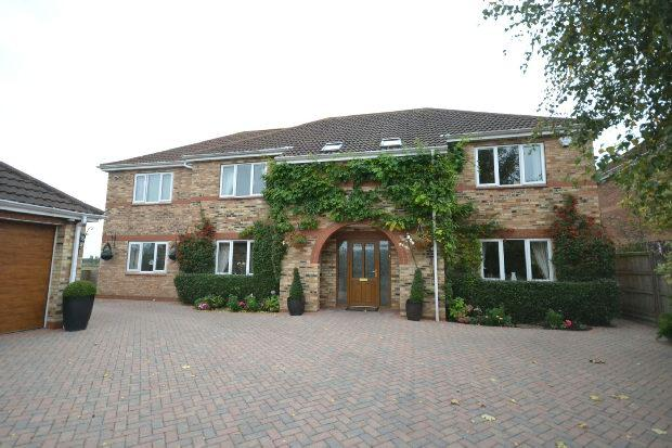 6 Bedrooms Detached House for sale in Station Road, Waltham, Grimsby
