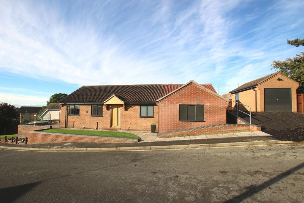 3 Bedrooms Detached Bungalow for sale in Lisle Close, Ely
