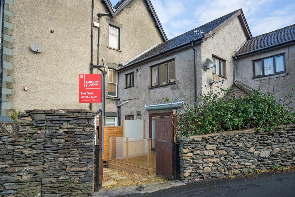 2 Bedrooms Ground Flat for sale in Sunnyside, Sunny Bank Road, Windermere, Cumbria, LA23 2EN