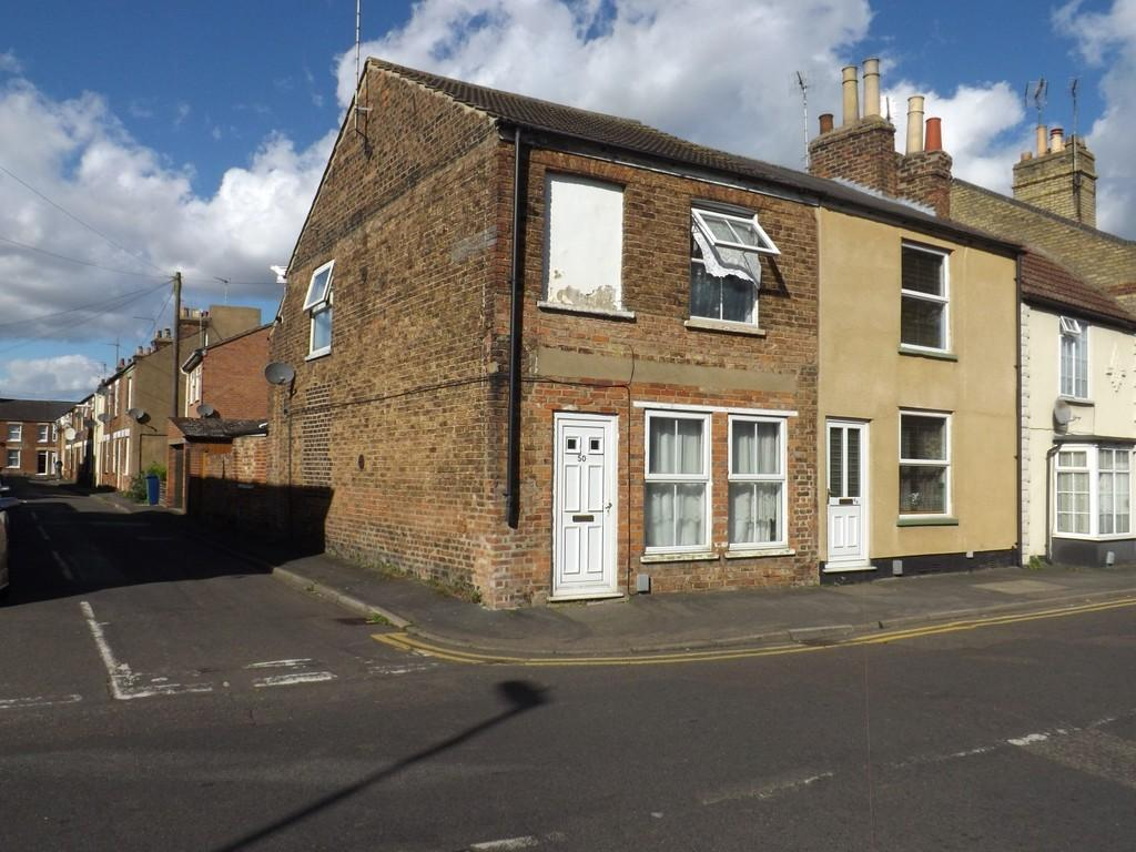 2 Bedrooms End Of Terrace House for sale in Victoria Road, Wisbech