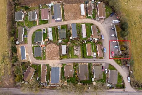 2 bedroom park home for sale - Manor Road, Caddington, Luton, LU1 4DP