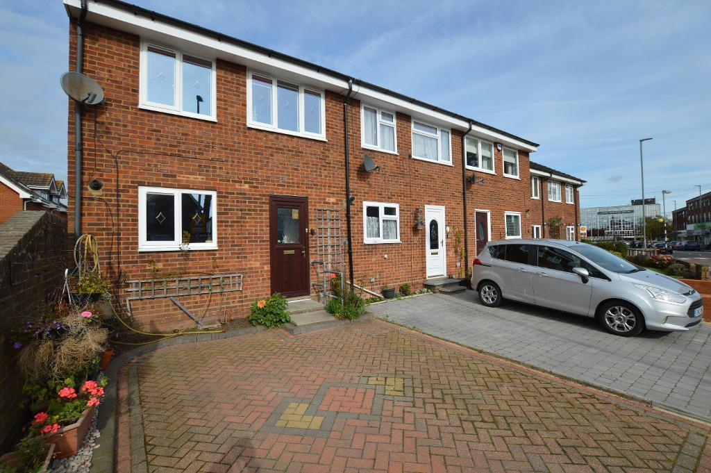 3 Bedrooms End Of Terrace House for sale in Hitchin Road, Stopsley, Luton, LU2 7UW