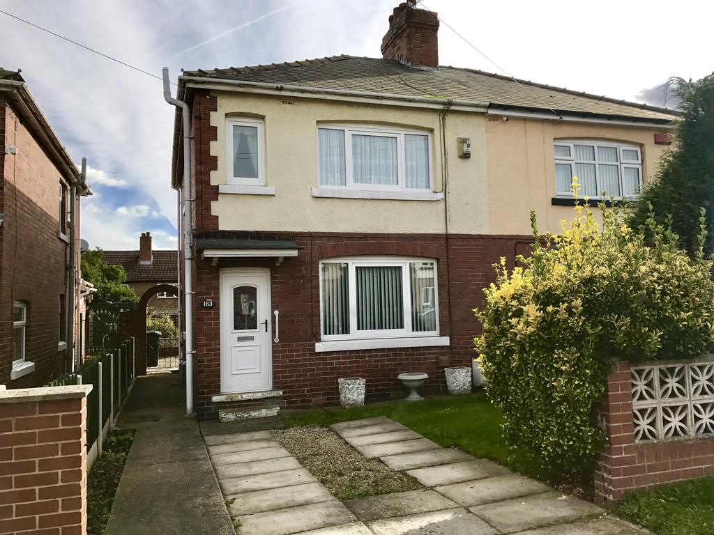 3 Bedrooms Semi Detached House for sale in Birkwood Avenue, Cudworth, Barnsley S72