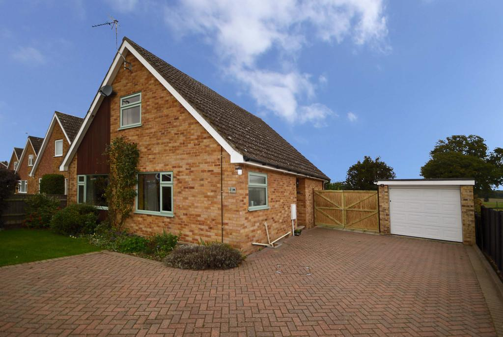 4 Bedrooms Chalet House for sale in Harker Way, Blofield