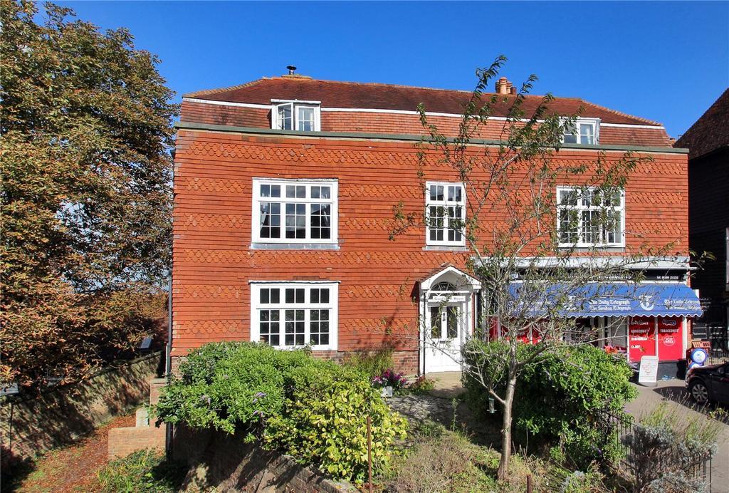 2 Bedrooms Apartment Flat for sale in Goudhurst House, High Street, Goudhurst, Kent, TN17
