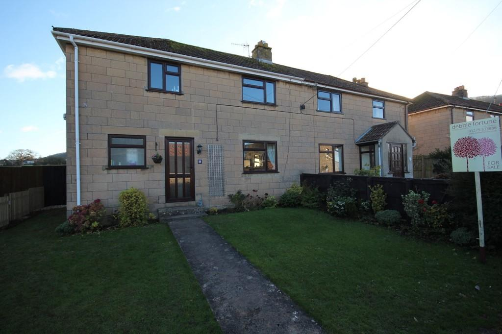 3 Bedrooms Semi Detached House for sale in On the fringe of the picturesque village of Ubley.