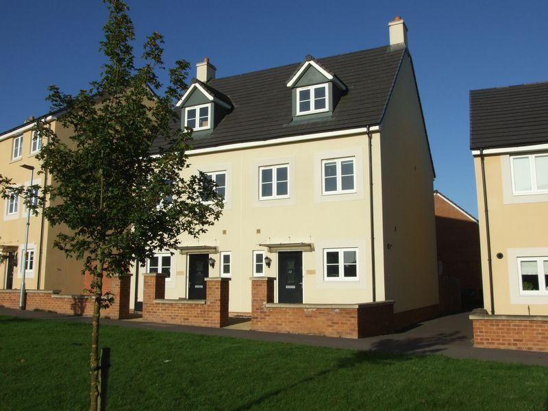 3 Bedrooms Semi Detached House for sale in Pipistrelle Crescent, Trowbridge