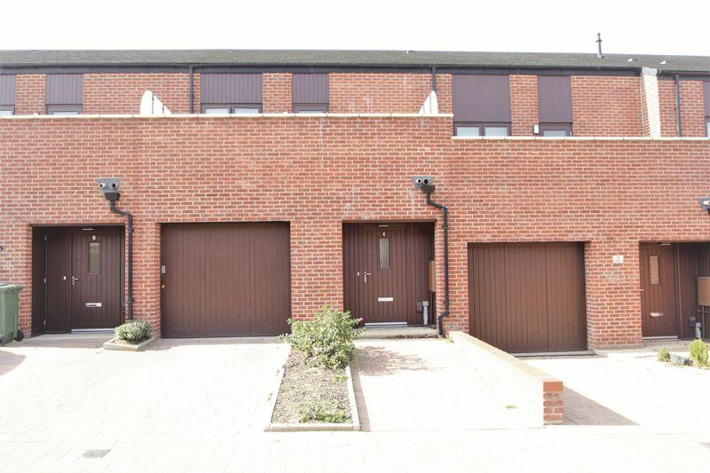3 Bedrooms Terraced House for sale in Rollesby Way, Northshore, Stockton, TS18 2SU