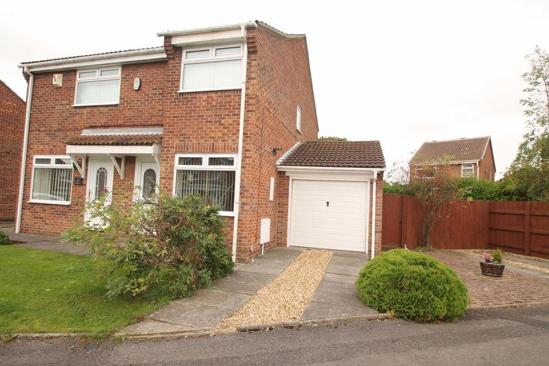 2 Bedrooms Semi Detached House for sale in Fox Howe, Coulby Newham