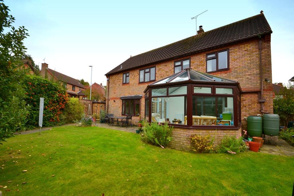 5 Bedrooms Detached House for sale in Daundy Close, Ipswich, IP2 0DT
