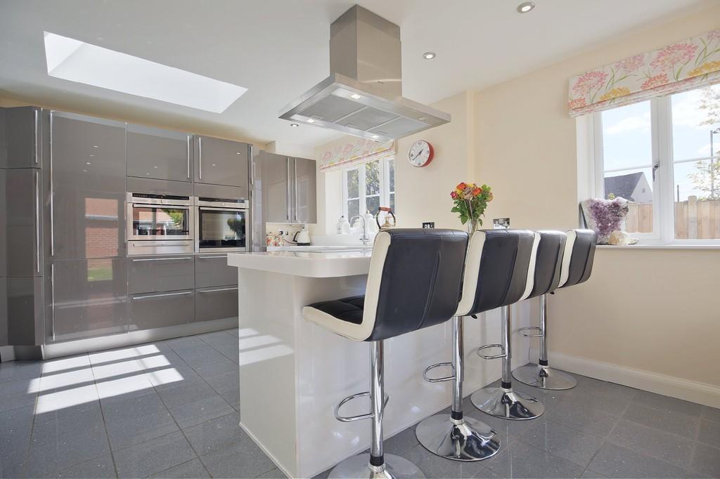 4 Bedrooms Detached House for sale in Chapel Lane, Elmstead Market, CO7 7AG