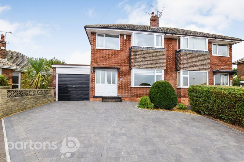3 Bedrooms Semi Detached House for sale in Cotswold Crescent, Whiston