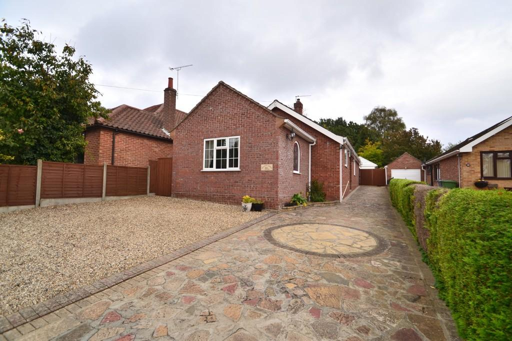 3 Bedrooms Detached Bungalow for sale in Sandy Lane, Taverham