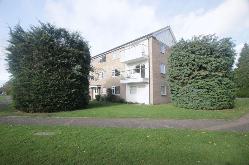 2 Bedrooms Apartment Flat for sale in Floral Court, Ashtead