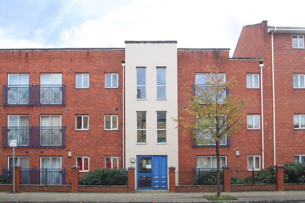 2 Bedrooms Apartment Flat for sale in Stretford Road, Hulme, Manchester, M15