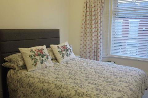 4 bedroom house share to rent - Claremont Road, L15
