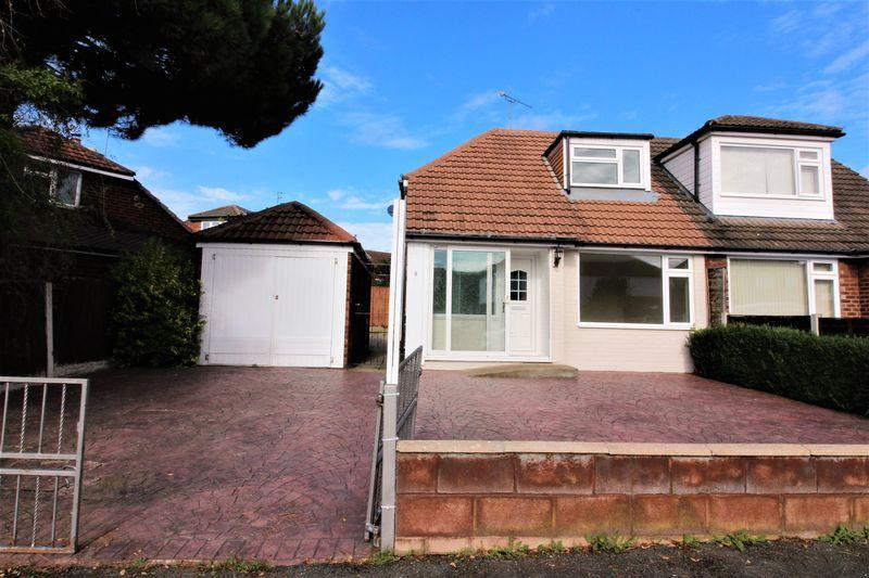 3 Bedrooms Semi Detached Bungalow for sale in Ellesmere Avenue, Chester