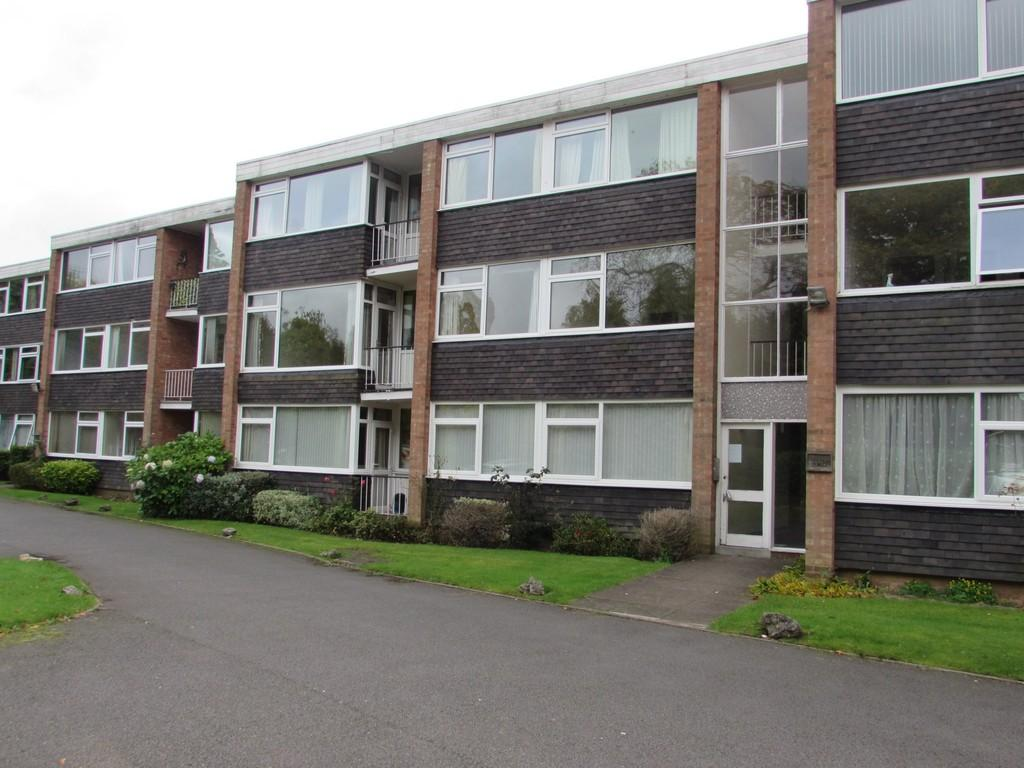 2 Bedrooms Flat for sale in Hampton Lane, Solihull
