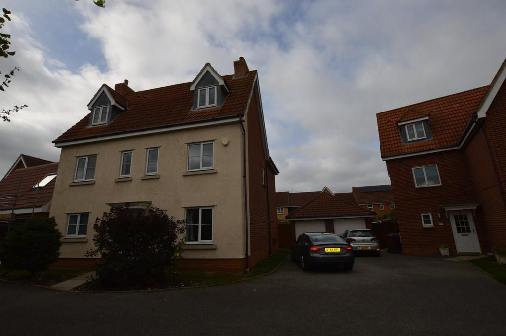 5 Bedrooms Detached House for rent in Chaffinch Road, Bury St Edmunds