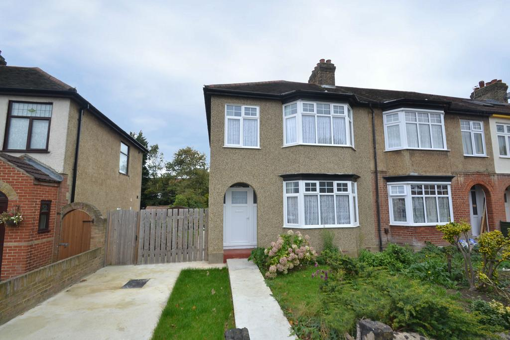 3 Bedrooms End Of Terrace House for sale in Hainault Road, Collier Row